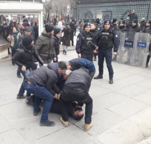 ohal-eylemi-polis-mudahalesi-3-gozalti